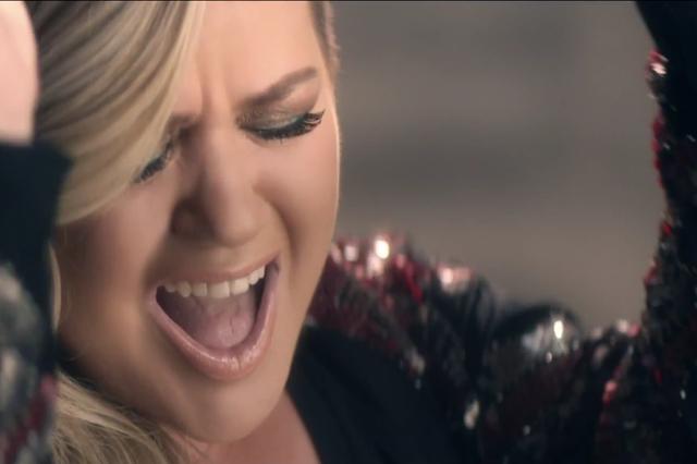 Kelly Clarkson Invincible