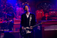 Eddie Vedder Kicks Off Letterman's Last Week With 'Better Man'