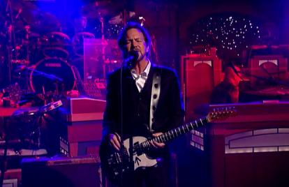 Eddie Vedder Kicks Off Letterman's Last Week With 'Better Man'