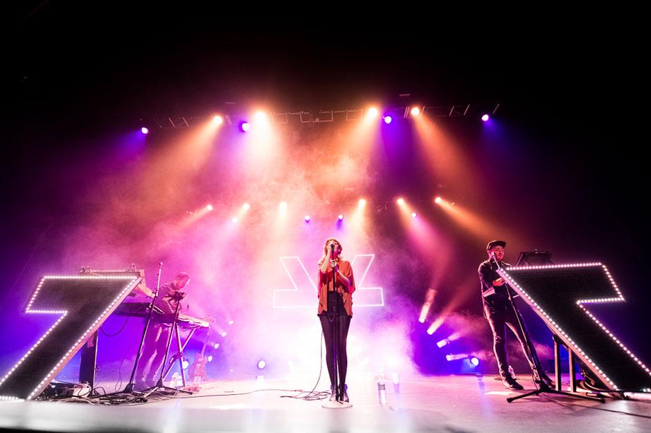 CHVRCHES live in 2013