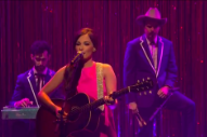 Kacey Musgraves Debuts 'Family Is Family' on 'Seth Meyers'
