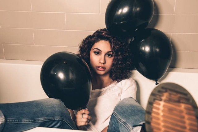 Alessia Cara The Ultimate Youtube Cover Star Success Story Spin