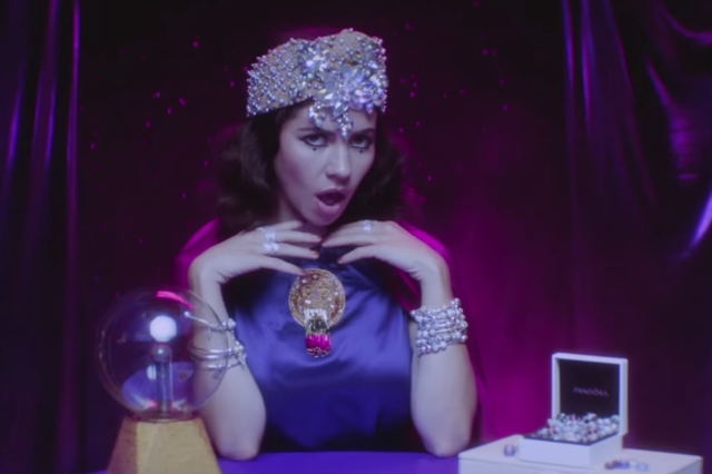 marina-and-the-diamonds-blue-video-froot