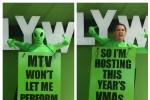 miley-cyrus-vmas-mtv-host-2015