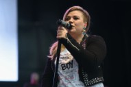 Kelly Clarkson Covers Lana Del Rey's 'Off to the Races'