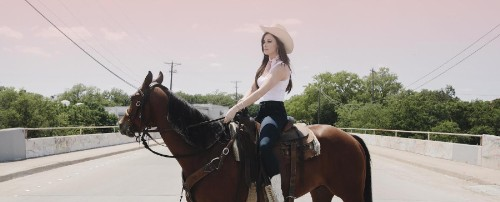 Kacey Musgraves, Woman Without a Country