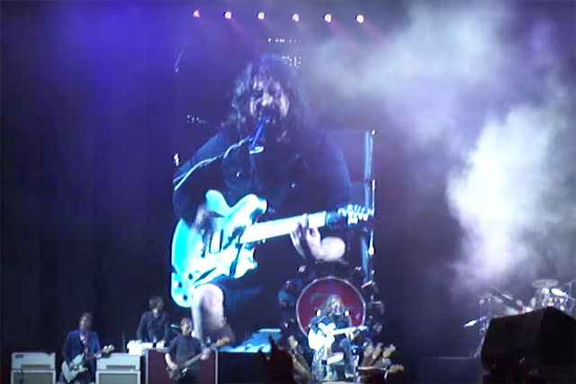 Foo Fighters Cover Mollys Lips