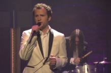 baio-sister-of-pearl-seth-meyers-video