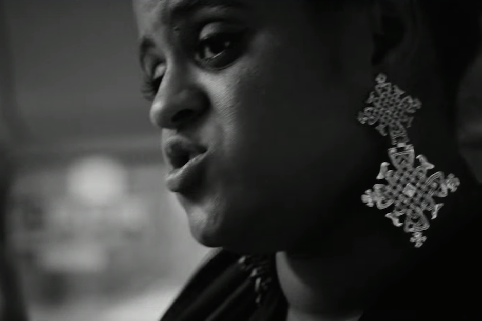 seinabo-sey-silent-bus-sessions-video-watch