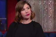 Carrie Brownstein Talks Her Memoir, Performs 'English Folk Ballad' on 'Colbert'