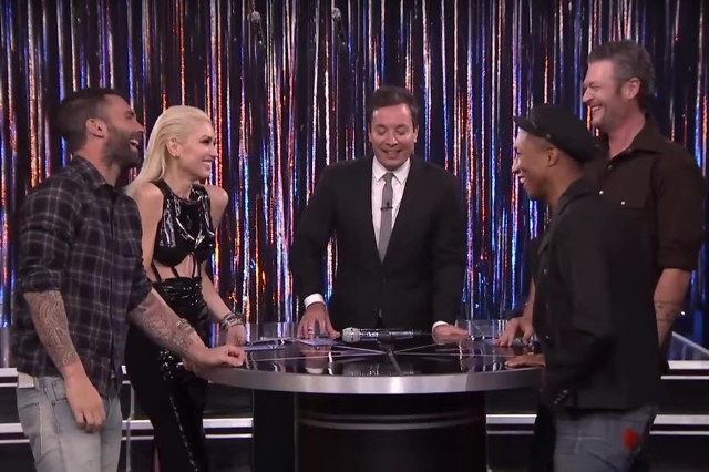 21ae001f261 Watch Gwen Stefani and Blake Shelton Cover  Hotline Bling  on ...