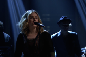 Adele Brings 'Water Under the Bridge' to 'The Tonight Show'