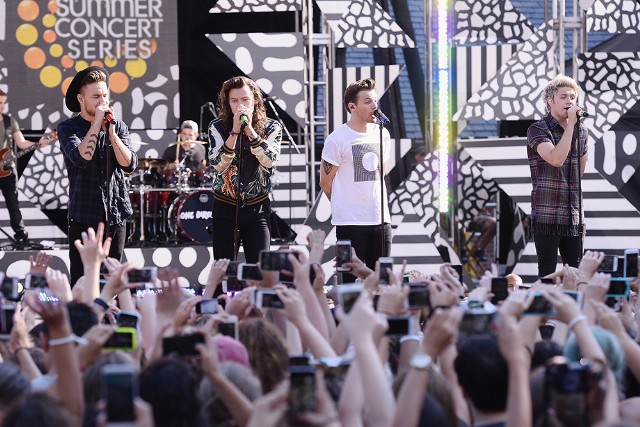 One Direction Performs On ABC's