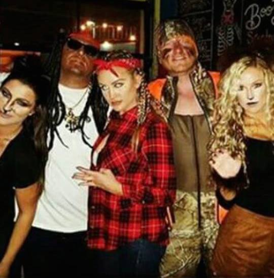 Jason Aldean dressed as Lil Wayne, blackface and all