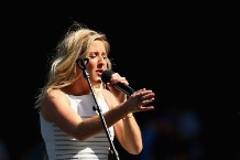 Ellie Goulding at 2015 AFL Grand Final - Hawthorn v West Coast