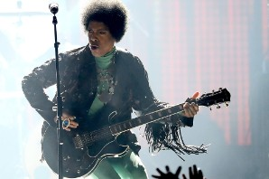 Prince Will Trade Guitar for a Piano on New, Stripped-Down Tour