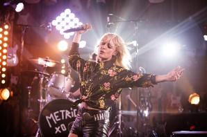 Metric Bring Shimmering 'Gold Guns Girls' to 'Guitar Center Sessions'