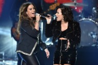 Alanis Morissette and Demi Lovato Sing 'You Oughta Know' at the AMAs