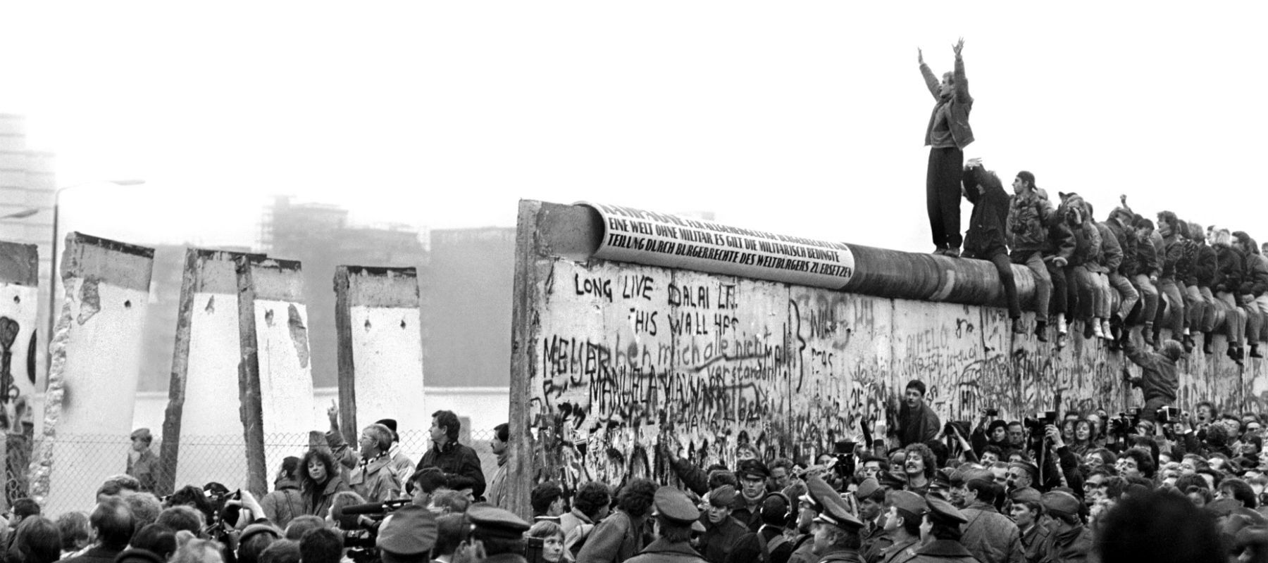 berlin wall essay questions Berlin wall essaysmy topic is the fall of the berlin wall , communism and politics the berlin wall was built in 1961 the wall was built to divide the eastside and the west communist.