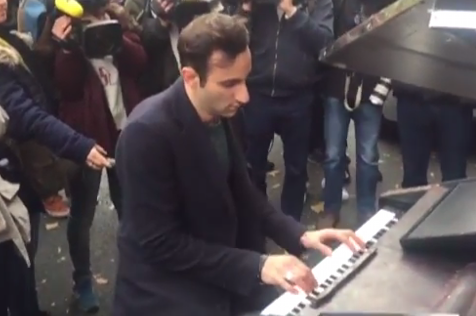pianist-john-lennon-imagine-paris-attacks-940