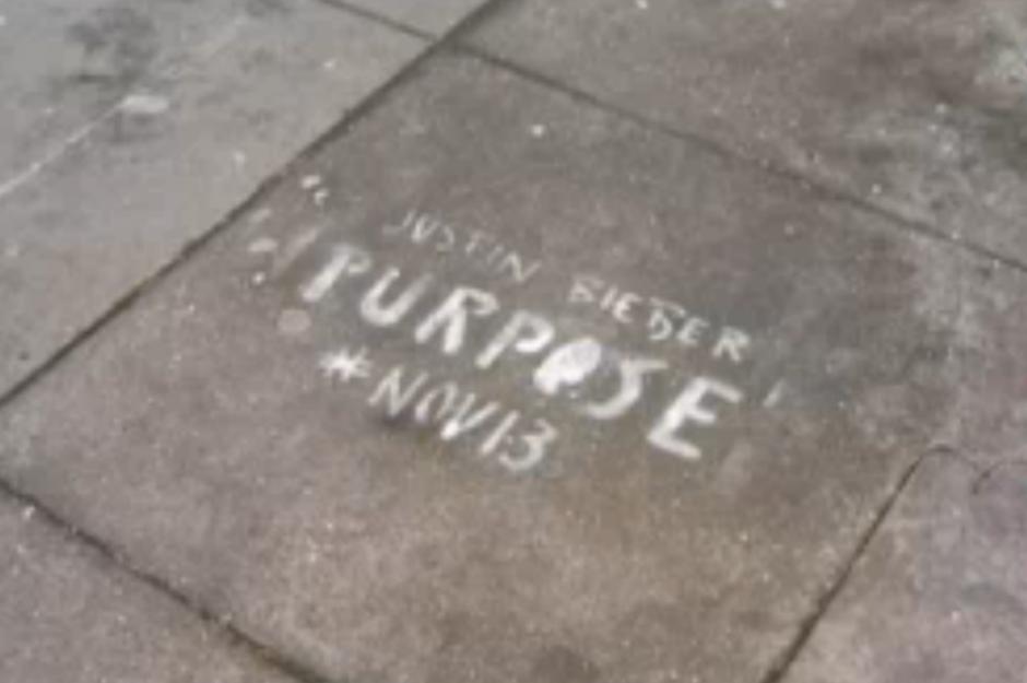 justin-bieber-purpose-graffiti-def-jam