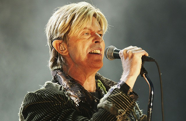 david-bowie-saturday-night-live-tribute-spin-640x417