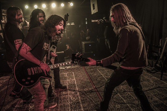 Watch Dave Grohl Perform 'Ace of Spades' With Members of
