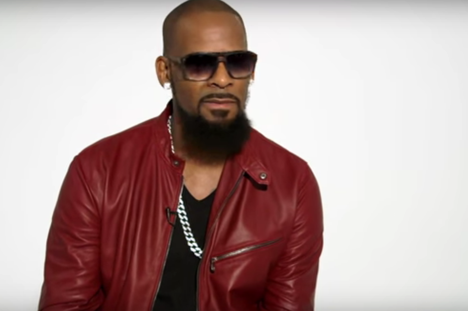 Watch R. Kelly Sing the Story of His Life For 45 Minutes ...