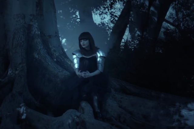chvrches-clearest-blue-music-video