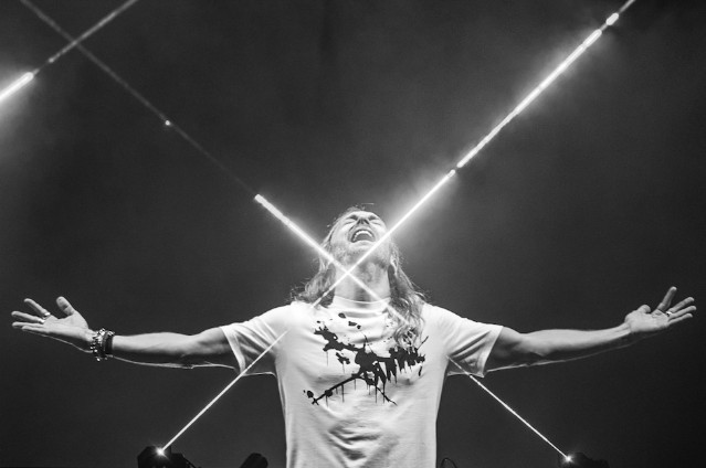 David Guetta Listen Tour 2015 NYE - Dubai
