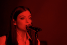 lorde david bowie tribute life on mars brit awards 2016