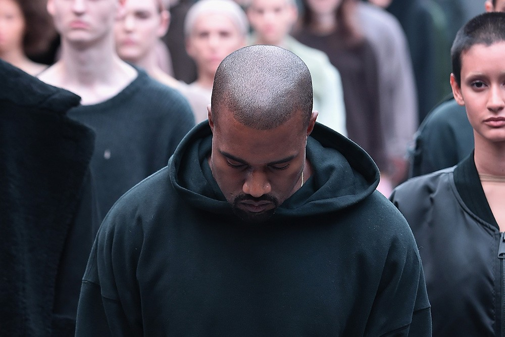Kanye west needs 1 200 extras for his madison square garden fashion show spin for Madison square garden kanye west