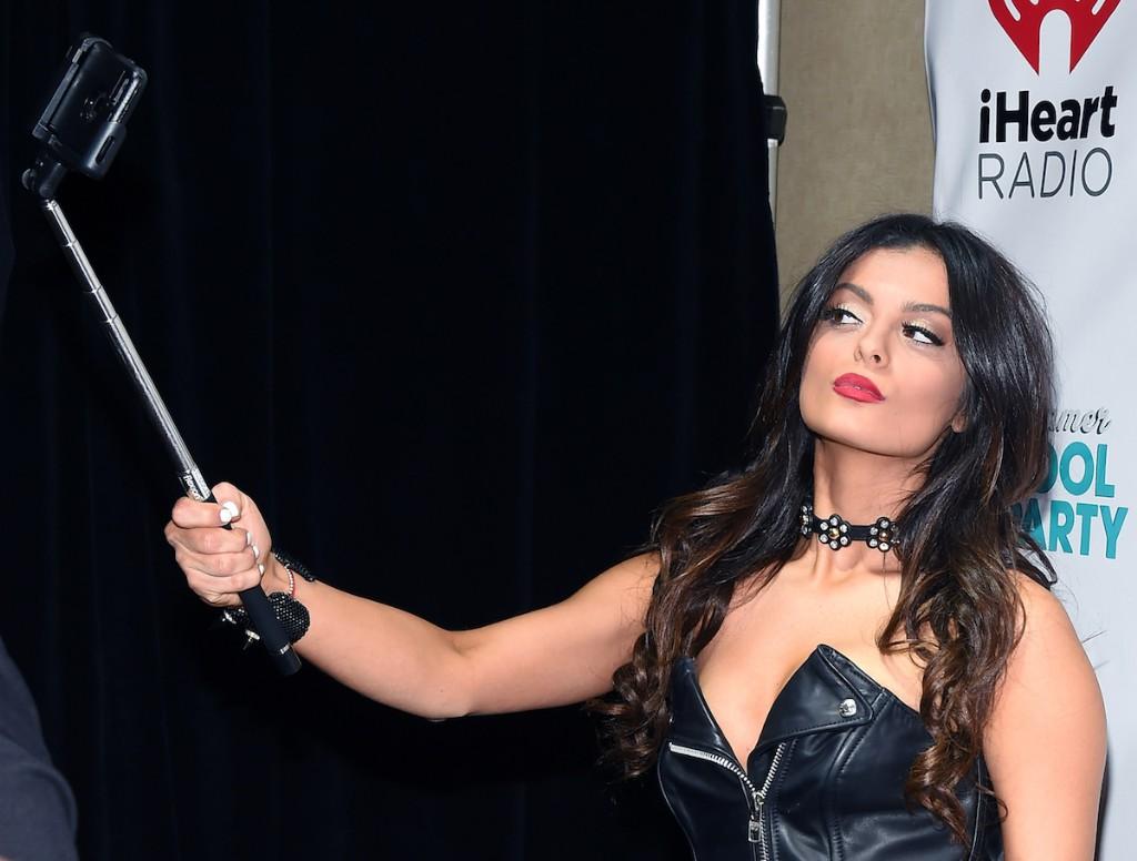 Hear Nicki Minaj S Guest Verse On Bebe Rexha S No Broken