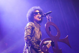 Watch Prince Cover David Bowie, Bob Marley in Concert
