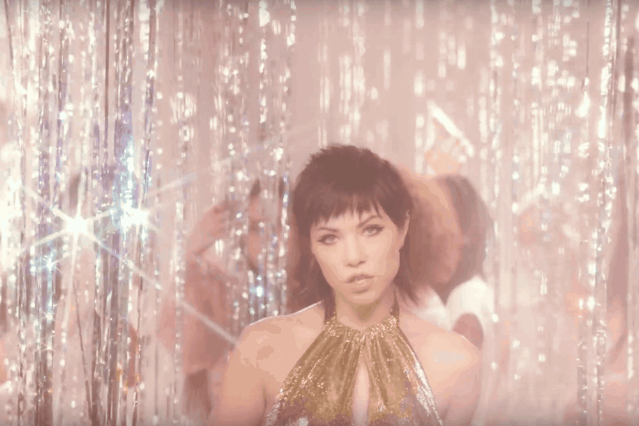 carly-rae-jepsen-boy-problems-music-video-watch