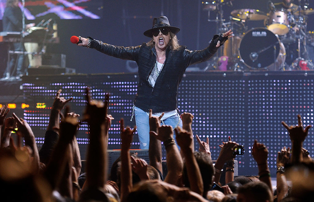 watch the reunited guns n roses play their first show in 23 years spin. Black Bedroom Furniture Sets. Home Design Ideas