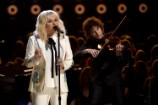 Kesha Performs Bob Dylan's 'It Ain't Me Babe' With Ben Folds at Billboard Music Awards