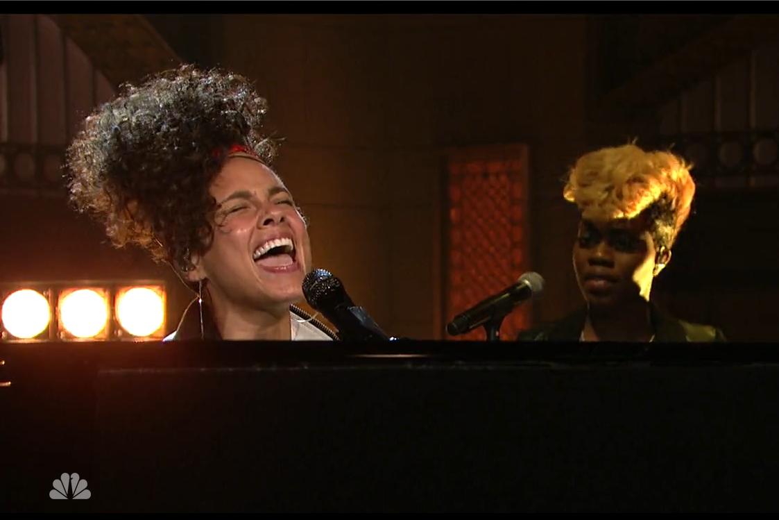 alicia keys hallelujah in common saturday night live video watch