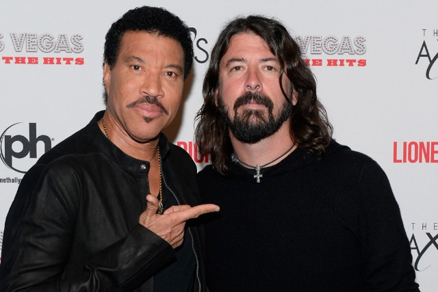 Lionel Richie Performs During SiriusXM's Town Hall Series Hosted By Dave Grohl At The AXIS At Planet Hollywood Resort & Casino, Home To Richie's