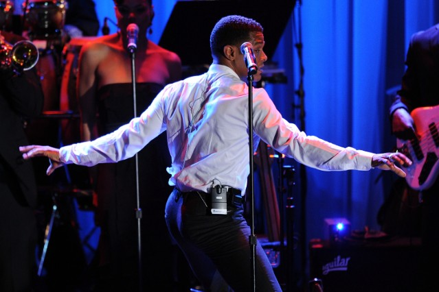 Maxwell at the 52nd Annual GRAMMY Awards - Salute To Icons Honoring Doug Morris - Show