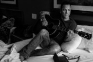 Kiefer Sutherland Talks Being a Young Gun in Country Music, Shares New 'Can't Stay Away'