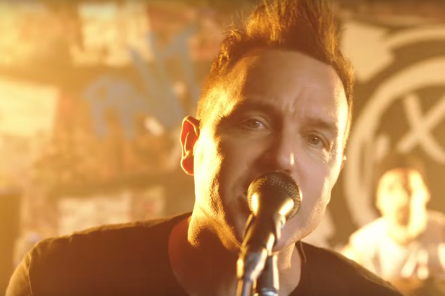 Heres Blink 182s Thrashing New Bored To Death Video Spin