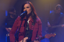 brandy clark girl next door late night with seth meyers video watch