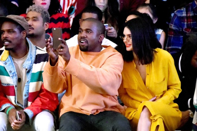 watch kanye west live premiere the visual for famous in los