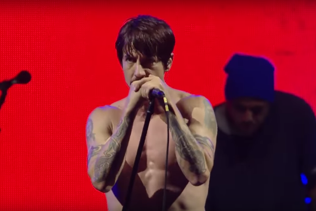 red hot chili peppers lollapalooza performance video