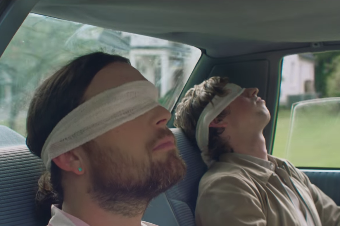 dont-watch-kings-of-leon-waste-a-moment-video