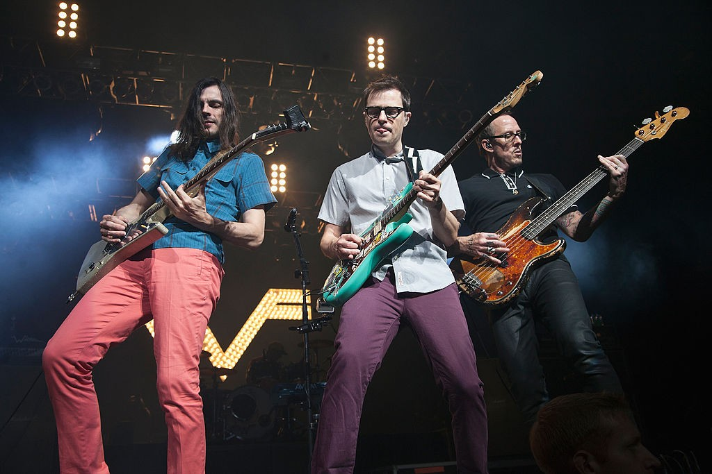 106.5 End Of Summer Weenie Roast f. Weezer, Foster The People, Fitz & The Tantrums And More