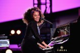 Watch Alicia Keys Bring Out Jay Z During Surprise Times Square Concert