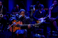 Watch Lauryn Hill Perform Her New Version of &#8220;Rebel&#8221; on <em>Charlie Rose</em>