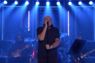"Watch Phil Collins Perform ""In the Air Tonight"" With the Roots"